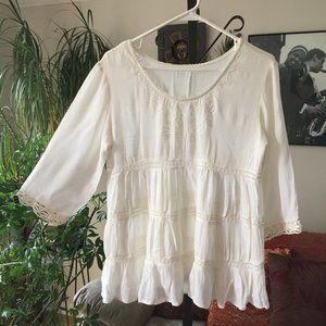 5/$25 Embroidered Boho Peasant Top